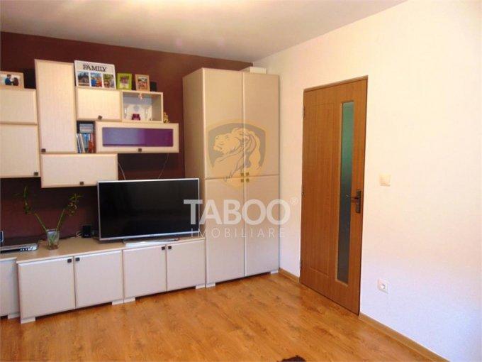 vanzare Apartament Sibiu cu 2 camere, cu 1 grup sanitar, suprafata utila 49 mp. Pret: 50.500 euro.