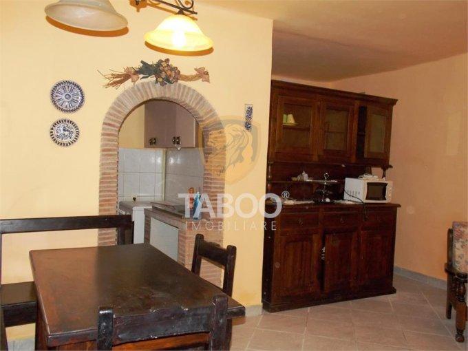 Apartament de inchiriat direct de la agentie imobiliara, in Sibiu, in zona Orasul de Jos, cu 300 euro. 1 grup sanitar, suprafata utila 55 mp.