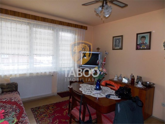 Apartament de vanzare direct de la agentie imobiliara, in Sibiu, in zona Terezian, cu 42.000 euro. 1 grup sanitar, suprafata utila 46 mp.