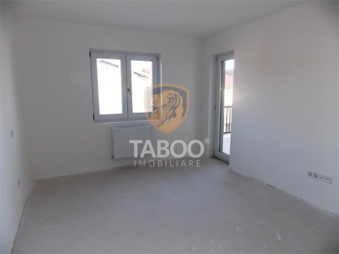 Apartament de vanzare direct de la agentie imobiliara, in Sibiu, in zona Calea Cisnadiei, cu 45.000 euro. 1 grup sanitar, suprafata utila 50 mp.