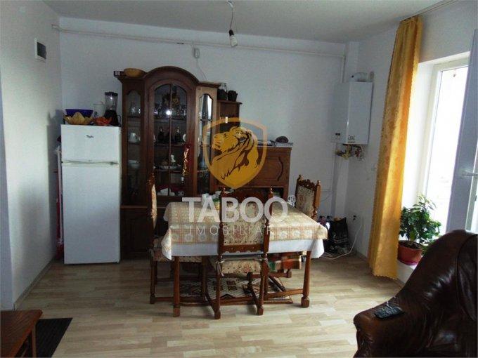 Apartament de vanzare direct de la agentie imobiliara, in Sibiu, in zona Gusterita, cu 36.000 euro. 1 grup sanitar, suprafata utila 39 mp.