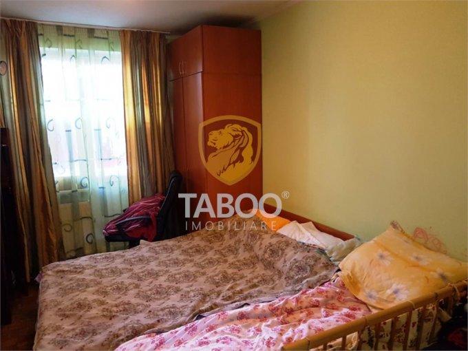 Apartament de vanzare in Sibiu cu 2 camere, cu 1 grup sanitar, suprafata utila 45 mp. Pret: 45.000 euro.