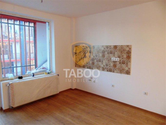 Apartament de vanzare direct de la agentie imobiliara, in Sibiu, in zona Calea Cisnadiei, cu 50.000 euro. 1 grup sanitar, suprafata utila 46 mp.