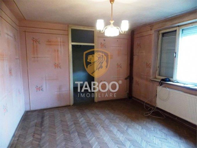 vanzare Apartament Sibiu cu 2 camere, cu 1 grup sanitar, suprafata utila 38 mp. Pret: 39.900 euro.
