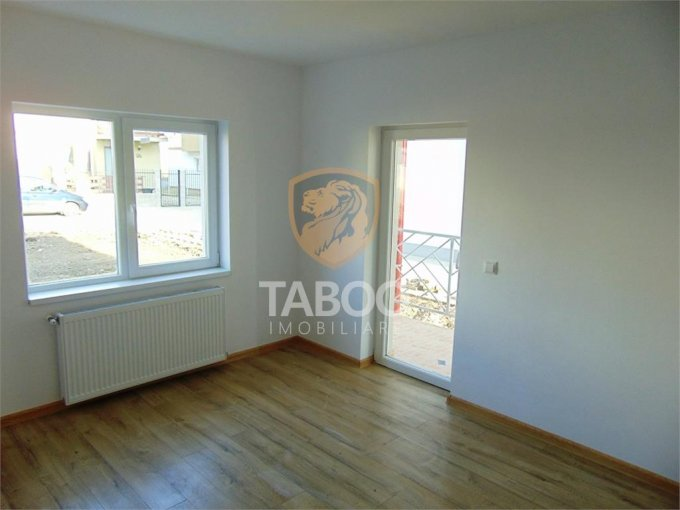 Apartament vanzare Sibiu 2 camere, suprafata utila 53 mp, 1 grup sanitar. 35.100 euro. Etajul 2 / 2. Apartament Calea Cisnadiei Sibiu