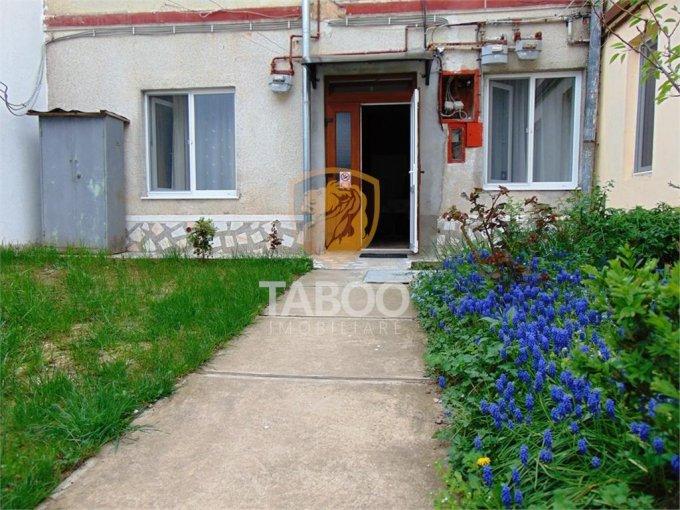Apartament de vanzare direct de la agentie imobiliara, in Sibiu, cu 99.900 euro. 2 grupuri sanitare, suprafata utila 58 mp.