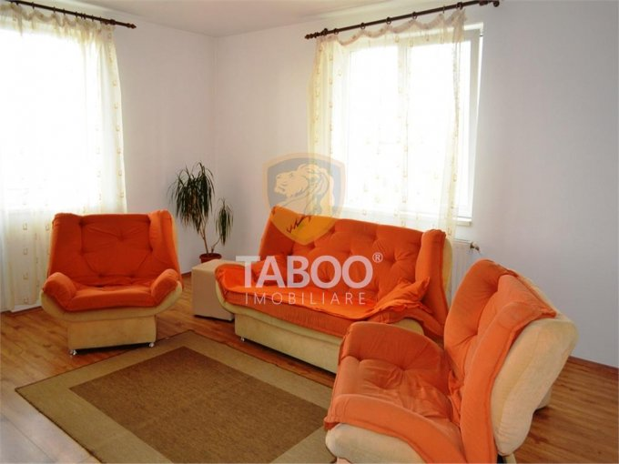 Apartament de inchiriat direct de la agentie imobiliara, in Sibiu, cu 300 euro. 1 grup sanitar, suprafata utila 66 mp.