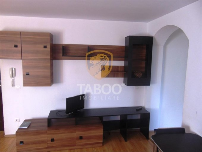 Apartament inchiriere Sibiu 2 camere, suprafata utila 62 mp, 1 grup sanitar. 250 euro. Etajul 2 / 3. Apartament Piata Cluj Sibiu