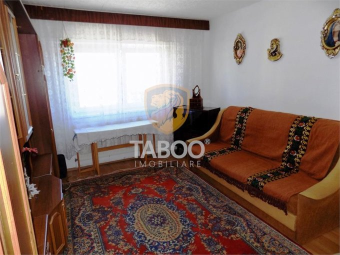 inchiriere Apartament Sibiu cu 2 camere, cu 1 grup sanitar, suprafata utila 55 mp. Pret: 200 euro.