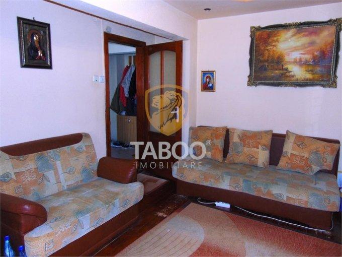 Apartament vanzare Sibiu 2 camere, suprafata utila 49 mp, 1 grup sanitar. 51.700 euro. Etajul 3 / 4. Apartament Ciresica Sibiu