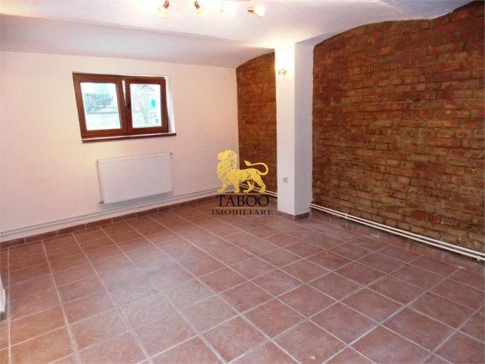 Apartament de vanzare in Sibiu cu 2 camere, cu 1 grup sanitar, suprafata utila 60 mp. Pret: 31.000 euro.