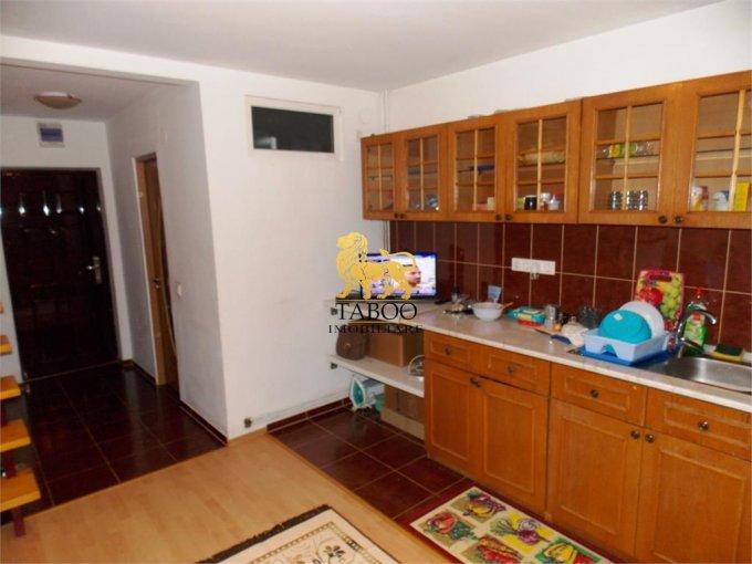 Apartament de vanzare direct de la agentie imobiliara, in Sibiu, in zona Compa, cu 21.000 euro. 1 grup sanitar, suprafata utila 44 mp.
