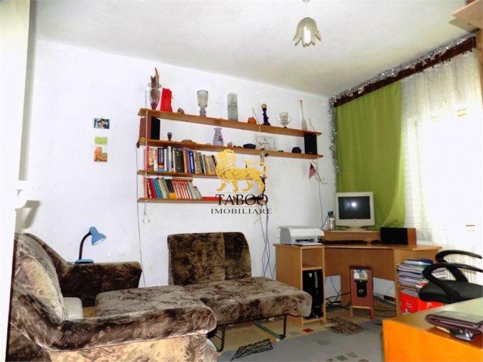 Apartament de vanzare direct de la agentie imobiliara, in Sibiu, cu 38.500 euro. 1 grup sanitar, suprafata utila 44 mp.