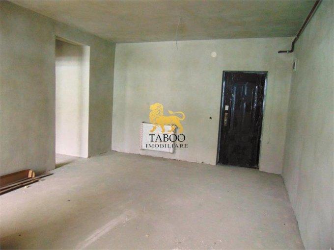 Apartament vanzare Calea Cisnadiei cu 2 camere, etajul 3 / 3, 1 grup sanitar, cu suprafata de 40 mp. Sibiu, zona Calea Cisnadiei.