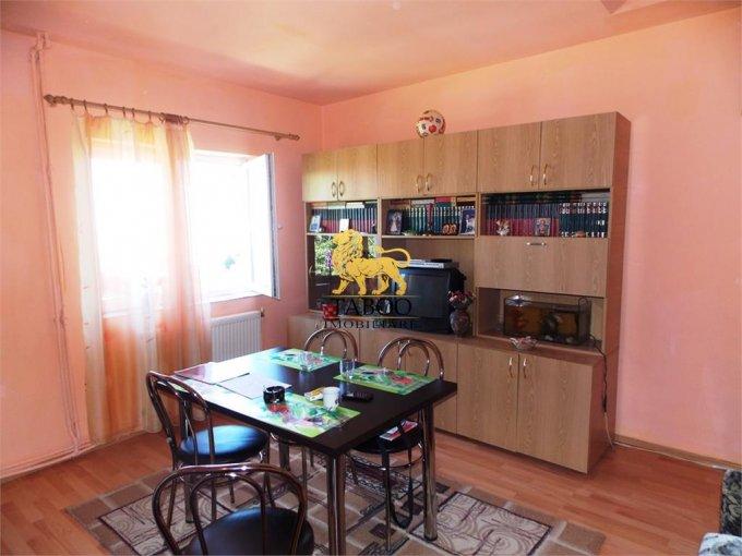 Apartament de vanzare in Sibiu cu 2 camere, cu 1 grup sanitar, suprafata utila 55 mp. Pret: 32.000 euro.