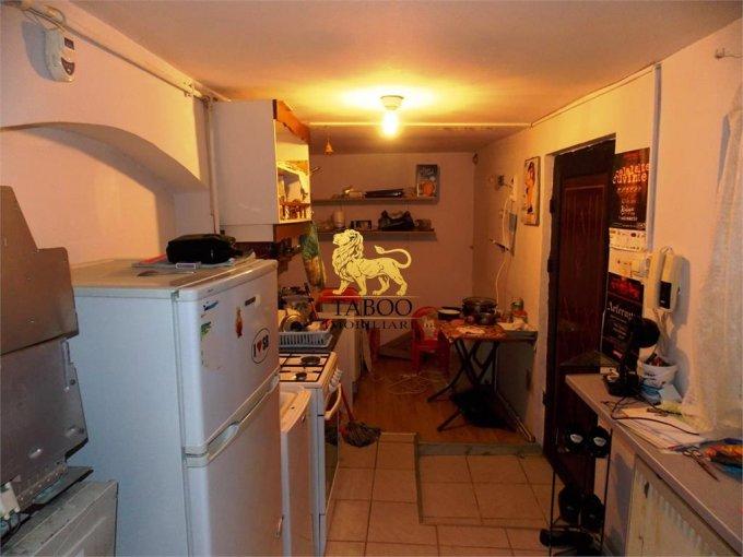 vanzare Apartament Sibiu cu 2 camere, cu 2 grupuri sanitare, suprafata utila 39 mp. Pret: 37.000 euro.