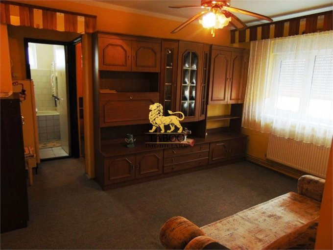 Apartament inchiriere Sibiu 2 camere, suprafata utila 42 mp, 1 grup sanitar. 200 euro. Etajul 4 / 4. Apartament Cedonia Sibiu