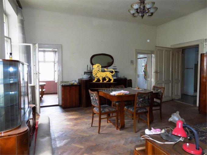 Apartament de vanzare direct de la agentie imobiliara, in Sibiu, cu 71.000 euro. 1 grup sanitar, suprafata utila 66 mp.