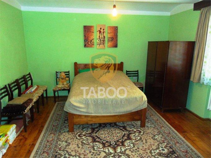 vanzare Apartament Sibiu cu 2 camere, cu 2 grupuri sanitare, suprafata utila 50 mp. Pret: 35.900 euro.