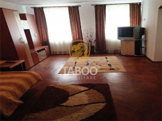 Apartament de vanzare direct de la agentie imobiliara, in Sibiu, in zona Orasul de Jos, cu 51.000 euro. 1 grup sanitar, suprafata utila 45 mp.