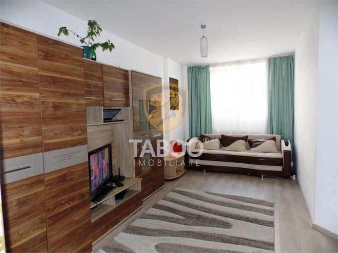 vanzare Apartament Sibiu cu 2 camere, cu 1 grup sanitar, suprafata utila 43 mp. Pret: 36.000 euro.