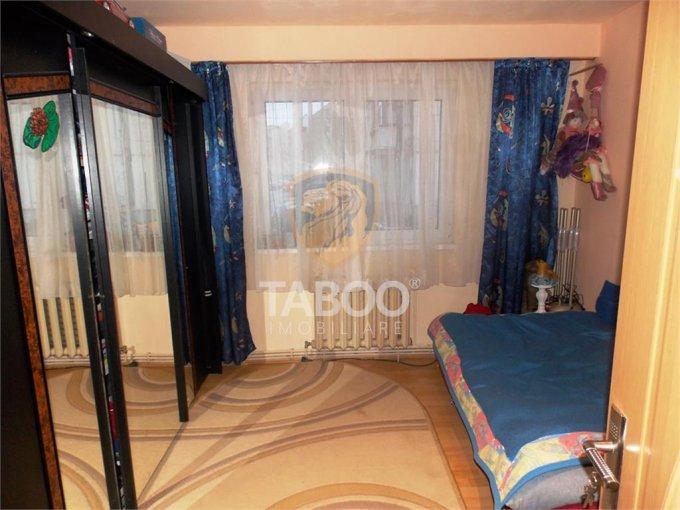Apartament de vanzare in Sibiu cu 2 camere, cu 1 grup sanitar, suprafata utila 40 mp. Pret: 45.000 euro.