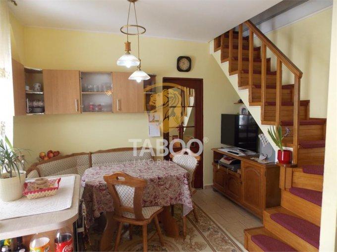 Apartament vanzare Cedonia cu 2 camere, etajul Mansarda / 5, 2 grupuri sanitare, cu suprafata de 61 mp. Sibiu, zona Cedonia.