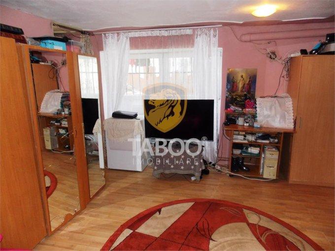 Apartament de vanzare direct de la agentie imobiliara, in Sibiu, cu 46.000 euro. 1 grup sanitar, suprafata utila 46 mp.