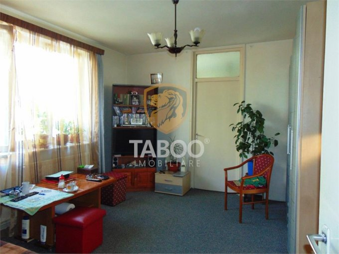 Apartament vanzare Sibiu 2 camere, suprafata utila 45 mp, 1 grup sanitar. 37.000 euro. La Parter / 4. Apartament Cedonia Sibiu