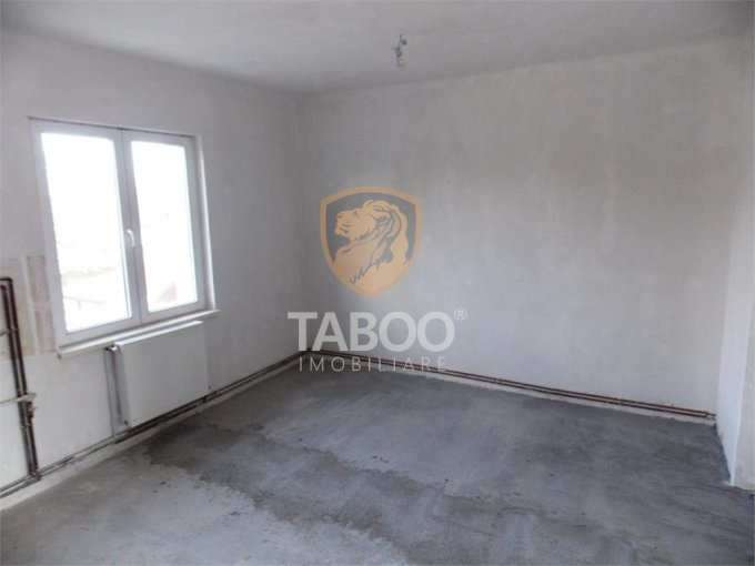 Apartament de vanzare direct de la agentie imobiliara, in Sibiu, in zona Lazaret, cu 38.000 euro. 1 grup sanitar, suprafata utila 36 mp.