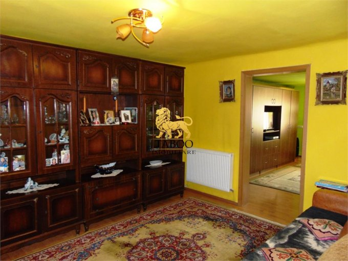 vanzare Apartament Sibiu cu 2 camere, cu 1 grup sanitar, suprafata utila 75 mp. Pret: 50.000 euro.