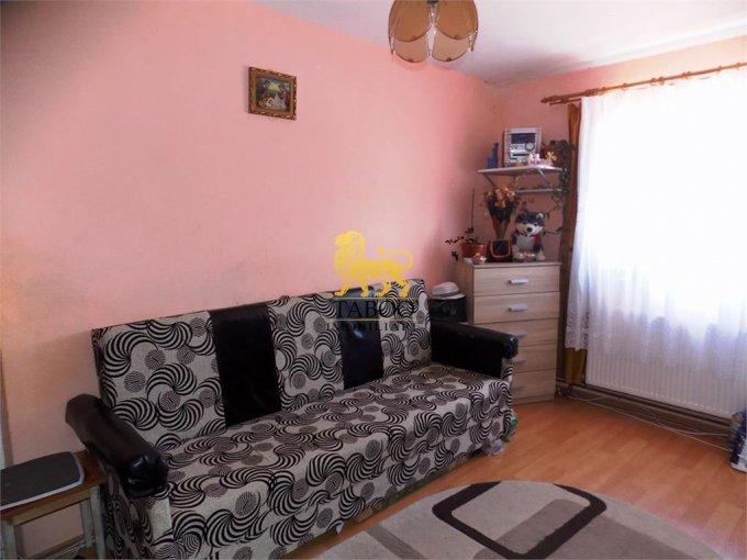 Apartament vanzare Sibiu 2 camere, suprafata utila 35 mp, 1 grup sanitar. 20.000 euro. Etajul 4 / 4. Apartament Tiglari Sibiu