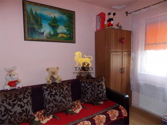Apartament inchiriere Sibiu 2 camere, suprafata utila 36 mp, 1 grup sanitar. 250 euro. Etajul 1 / 4. Apartament Cedonia Sibiu