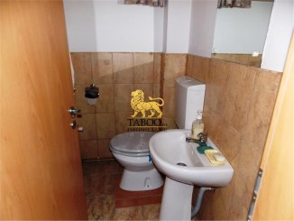 Apartament cu 3 camere de vanzare, confort 1, zona Cedonia,  Sibiu