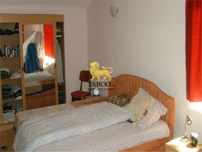 vanzare apartament cu 3 camere, decomandat, in zona Cedonia, orasul Sibiu