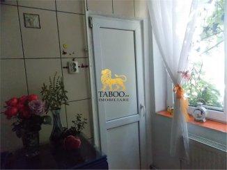 vanzare apartament cu 3 camere, semidecomandat, in zona Calea Dumbravii, orasul Sibiu