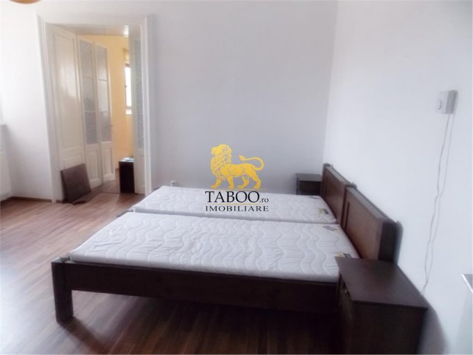 vanzare apartament semidecomandat-circular, orasul Sibiu, suprafata utila 100 mp