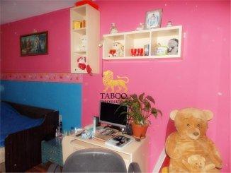 Apartament cu 3 camere de vanzare, confort 1, zona Vasile Aaron,  Sibiu