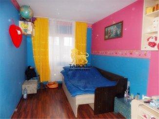 agentie imobiliara vand apartament decomandat, in zona Vasile Aaron, orasul Sibiu