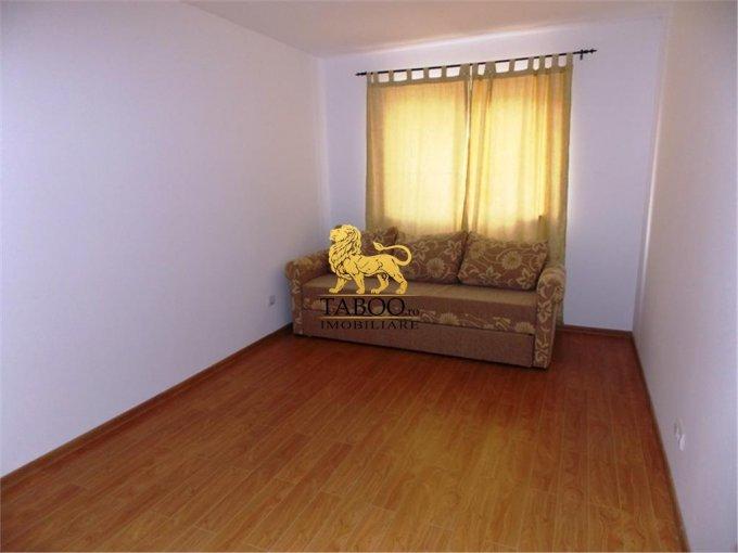 vanzare apartament cu 3 camere, decomandat, comuna Selimbar