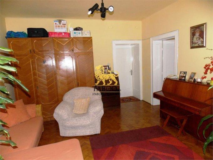 Apartament vanzare cu 3 camere, la Parter / 2, 2 grupuri sanitare, cu suprafata de 85 mp. Sibiu.
