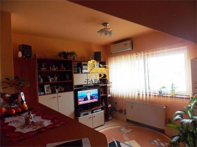 inchiriere Apartament Sibiu cu 3 camere, cu 1 grup sanitar, suprafata utila 70 mp. Pret: 400 euro.