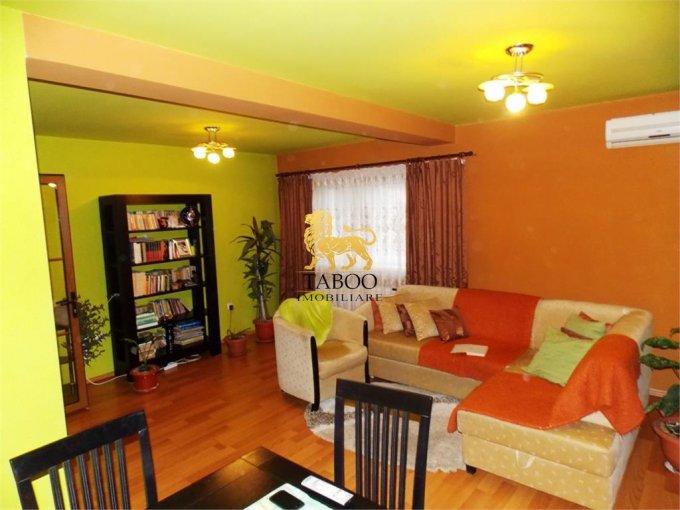 Apartament de vanzare in Sibiu cu 3 camere, cu 2 grupuri sanitare, suprafata utila 110 mp. Pret: 66.500 euro.