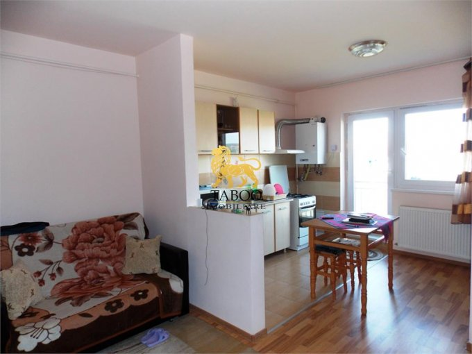 Apartament vanzare Selimbar 3 camere, suprafata utila 55 mp, 1 grup sanitar. 46.000 euro. Etajul 2 / 2. Apartament Selimbar  Sibiu