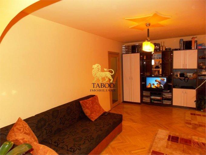 Apartament vanzare Sibiu 3 camere, suprafata utila 70 mp, 1 grup sanitar. 65.000 euro. Etajul 2 / 5. Apartament Sibiu