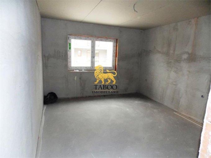 Apartament vanzare cu 3 camere, etajul 2 / 3, 1 grup sanitar, cu suprafata de 55 mp. Selimbar.