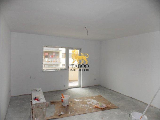 Apartament de vanzare in Selimbar cu 3 camere, cu 2 grupuri sanitare, suprafata utila 75 mp. Pret: 55.000 euro.