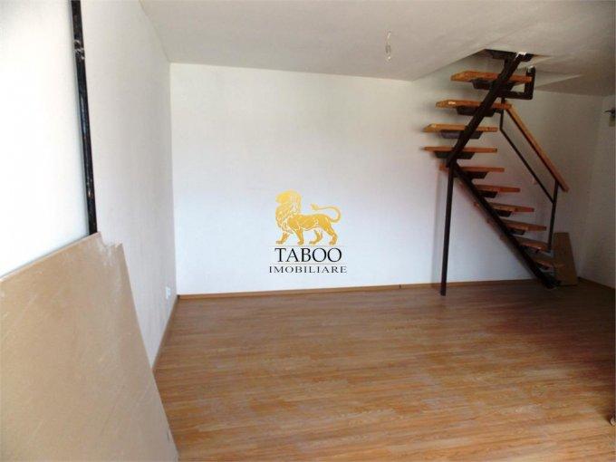 vanzare Apartament Sibiu cu 3 camere, cu 1 grup sanitar, suprafata utila 64 mp. Pret: 35.000 euro.