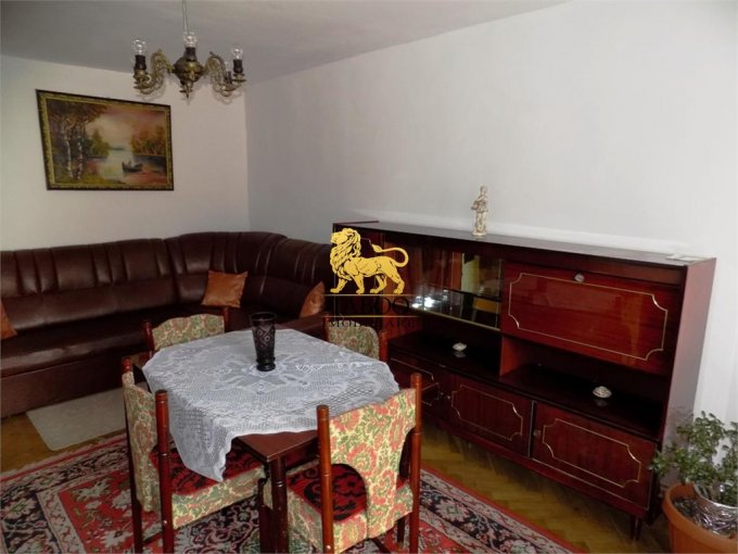 Apartament de vanzare in Sibiu cu 3 camere, cu 1 grup sanitar, suprafata utila 56 mp. Pret: 50.000 euro.