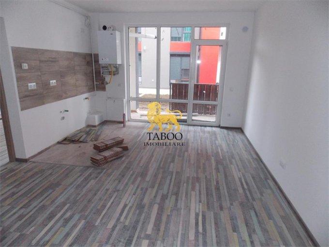 Apartament de vanzare direct de la agentie imobiliara, in Sibiu, in zona Calea Cisnadiei, cu 37.000 euro. 2 grupuri sanitare, suprafata utila 56 mp.